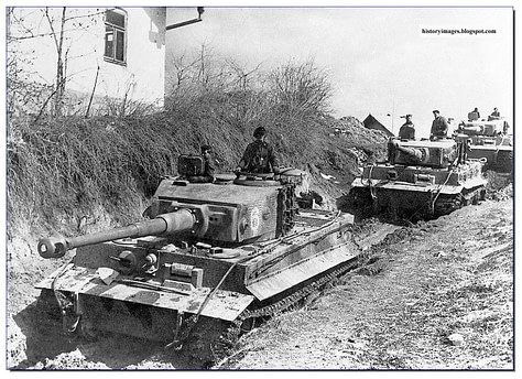 ukraine-ww2-1943-44-german-tiger-tank-may-4-1944