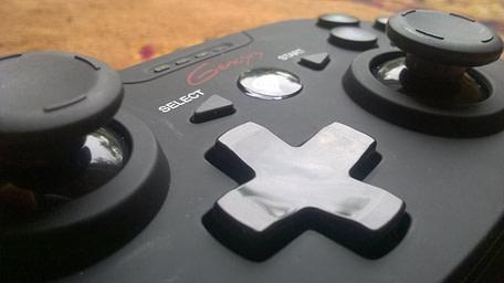 Natec Genesis PV58 - close up butoane